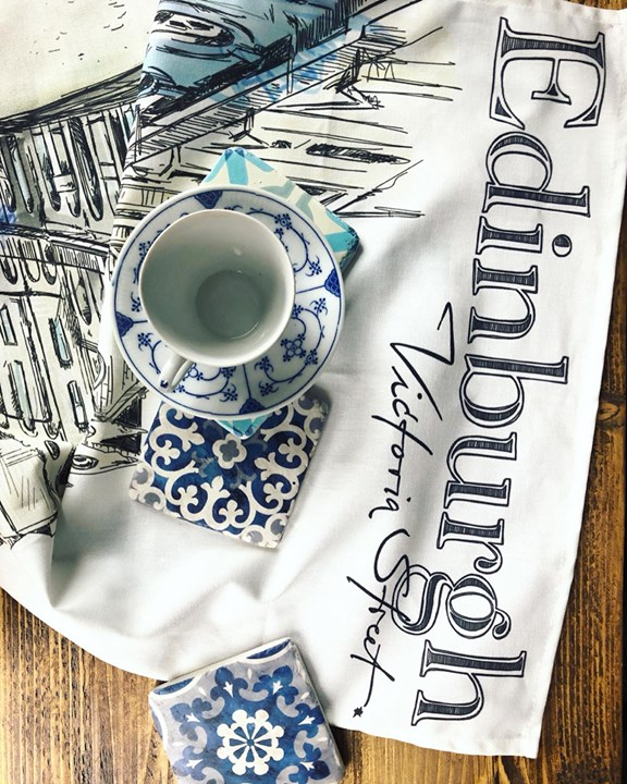 picture of Blue and white porcelain-Blue-Porcelain-Textile-Tablecloth-Calligraphy-Tableware-Linens-Font-1241022909392192
