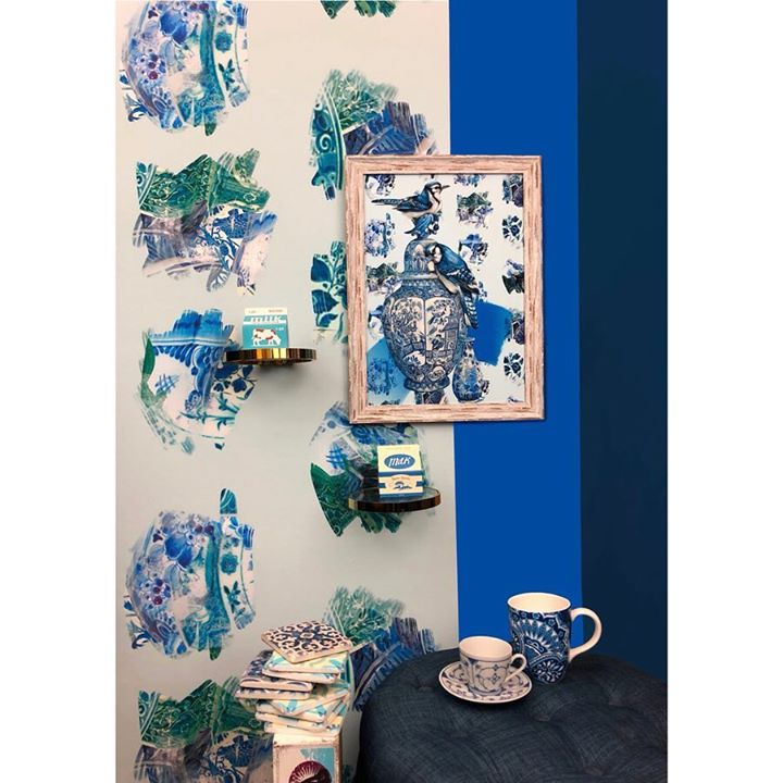 picture of Blue-Blue and white porcelain-Porcelain-Turquoise-Room-Textile-Interior design-Furniture--1217764195051397