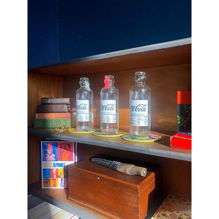 picture of Shelf-Room-Furniture-Shelving-Drink-Liquid----37434-56590
