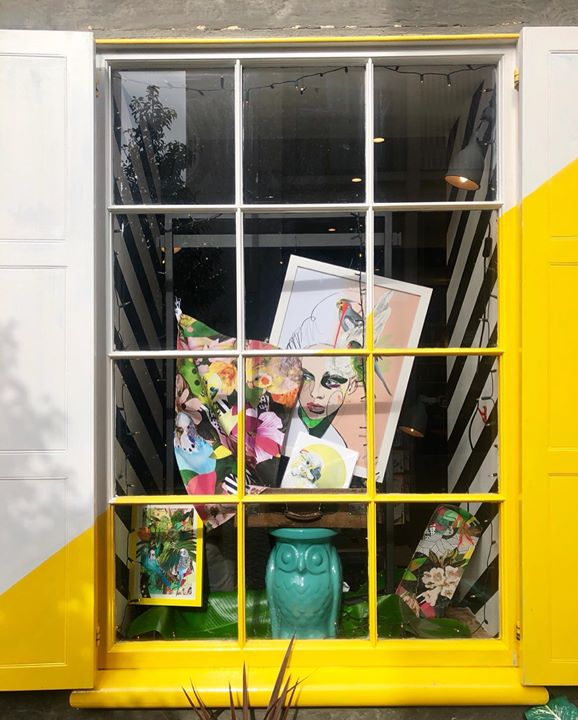picture of Yellow-Window-Display window-------1345973815563767